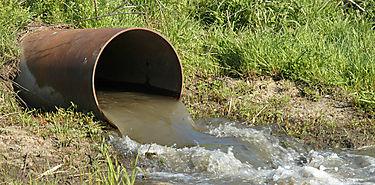 MiAMBIENTE establece programa para regular actividades humanas en ríos urbanos