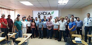 Incentivan en buenas prácticas a empresas de insumos fitosanitarios