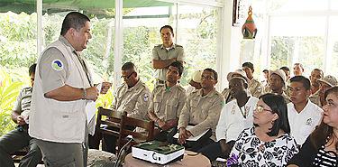 Guardaparques de Costa Rica y Panamá estrechan vínculos de cooperación en beneficio de áreas protegidas