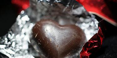 Chocolate negro con aceite de oliva para atenuar el riesgo cardiovascular