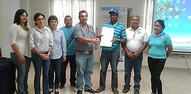Pescadores artesanales reciben personería jurídica
