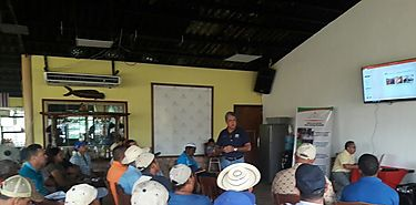 Charlas a productores en Colón sobre Cuarentena Agropecuaria