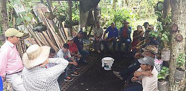 Usuarios de sistema de riego de Río Sereno visitan fincas del sistema de Coordillera
