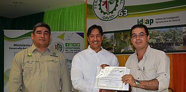 MIDA otorga Premio Nacional de Salud Animal