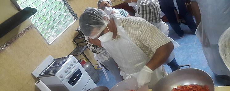 Productores se capacitan en la elaboración de pasta y salsa de tomate