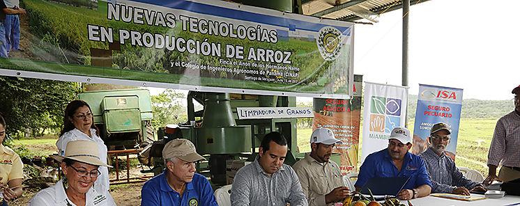MiAMBIENTE suscribe acuerdos para producción forestal y seguridad alimentaria
